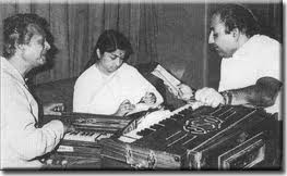 Rafi , Lata And Naushad During Rehearsals