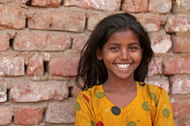 अभाव में भी मुस्कुराता बचपन !!