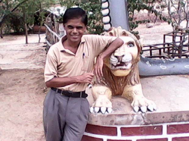 Who will not love to have lion's share with this lion?