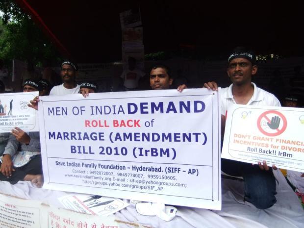 ये अब एक प्रचलित हथियार बन गया है कि हर नाकाम वैवाहिक सम्बन्धो में स्त्रियाँ  IPC 498 A और घरेलु हिंसा अधिनियम का व्यापक दुरुपयोग कर रही है संपत्ति हथियाने में. अब ये संशोधन भी एक प्रमुख औजार/ज़रिया बन जाएगा समाप्ति अर्जित करने के लिए.