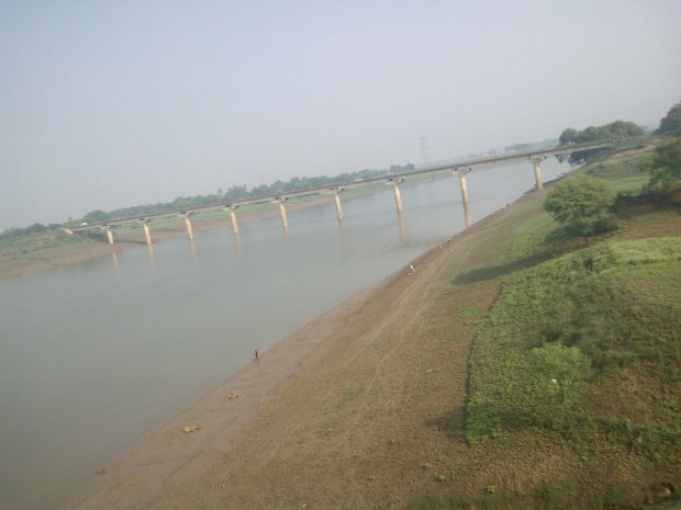 That's River Tons..It's tributary of river Yamuna and it originates in Garhwal region of Uttarakhand.