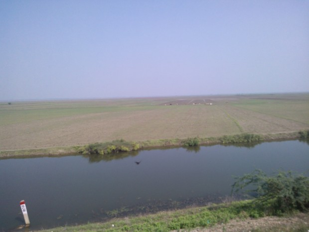 India is a huge country ...This gets confirmed as you try to capture the distance from eyes through the train's window!