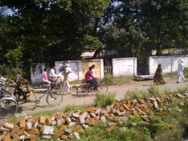 Life Around Mirzapur Railway Station :P