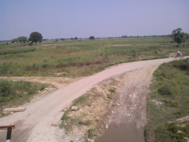 That's The Road Which Goes To My Village...If I Am On Auto This Is The Route I Follow...However, I Am On Train Now :P