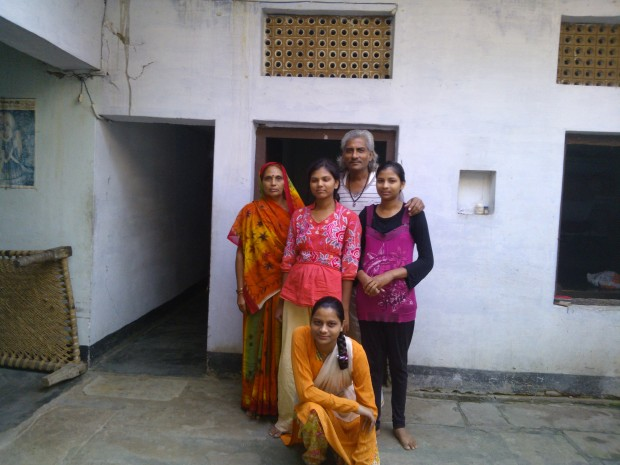 An Ideal Hindu Brahmin Family...There Is Lot Of Misconception Deliberately Spread By Foreign Historians That Hindu Brahmins Do Not Promote Daughters...This Famiily Has Only Daughters ( Five Daughters) And No Sons...And Above All Very Proud Of Their Talented Daughters...Stop Painting Brahmins In Wrong Colours!
