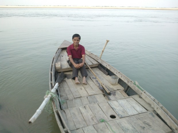 O Boat Take Me To The World From Where I Never Return To This Cruel World!