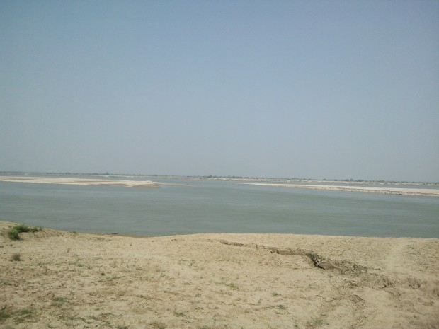 Ganges flowing at the outskirts of village :-)