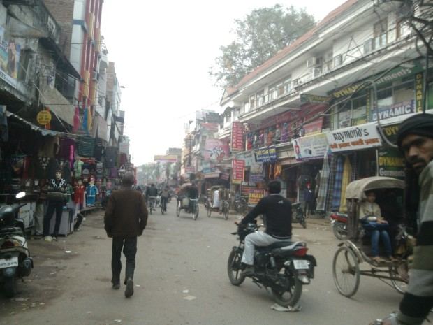 These areas are so over-crowded that one thinks twice before paying a vist ! This place is called Kotha Parcha. Courtesy telphone department that I have to come here to buy phone related instruments quite often :-(