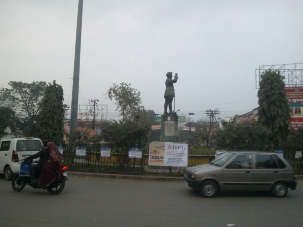 Statue of Subhas Chandra Bose Amidst Mall Culture :P