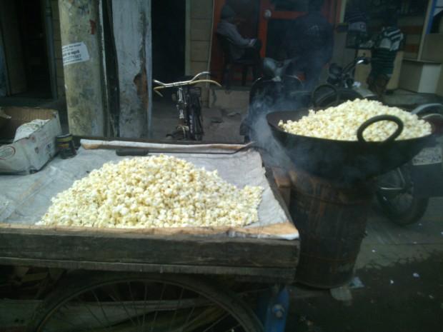 Hot Popcorns :P :P  Garma Garam Aur Karare :P :P