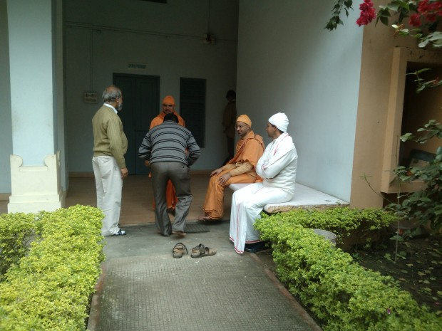 Swamijis at Ramakrishna Mission  are very well-infomed, highly educated and down-to-earth  people!