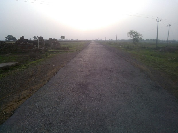 That's the road which connects my village falling in Mirzapur district with  Chunar :P