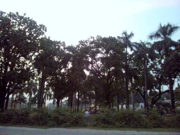 We reached there during evening hours.  Deep silence greeted us :-) -)