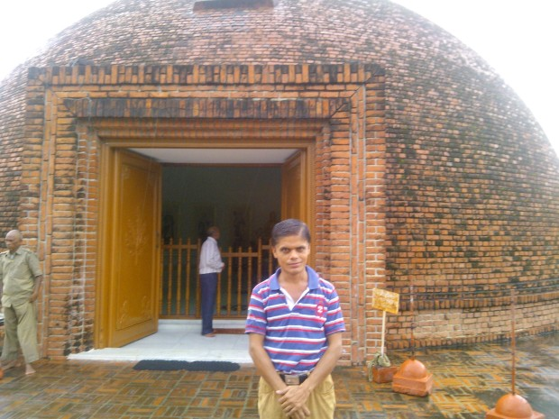 Standing Before Japan- Sri Lankan Temple :-)