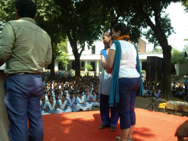 Highly Disciplined Students Of Patel Smarak Inter College Garlanding Israeli Hindi Students :-)
