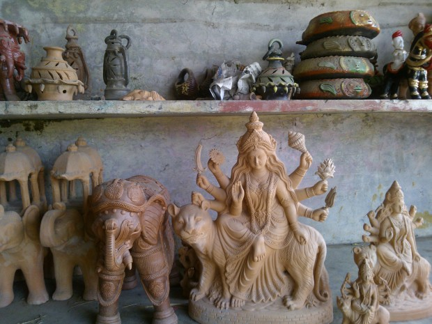 Places Close To Bhathat Are Famous For Making Images Of Terracotta!