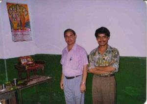 अपने पिताजी के साथ कालेज के दिनों की तस्वीर: मेरे पिता मेरे लिए पहले भी आदर्श थे और भविष्य में भी रहेंगे मतभिन्नता के बावजूद!