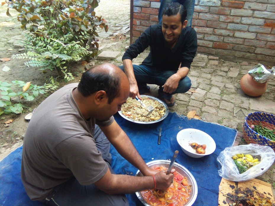 My friend Adv. Shashikant Involved in preparation of Chokha with help of his brother!!
